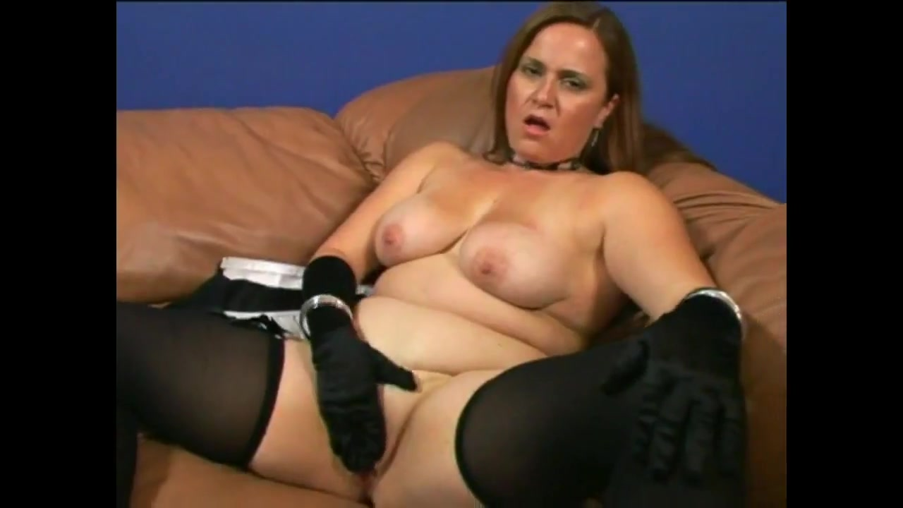 Chunky jessica devine Women at the lounge