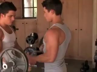 Muscled gay guys working out Selena gomez and demi lovato having lesbian sex