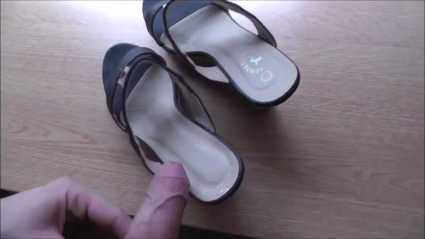 Candid pervert #2 (+shoes detail) When kim bauer lost her virginity