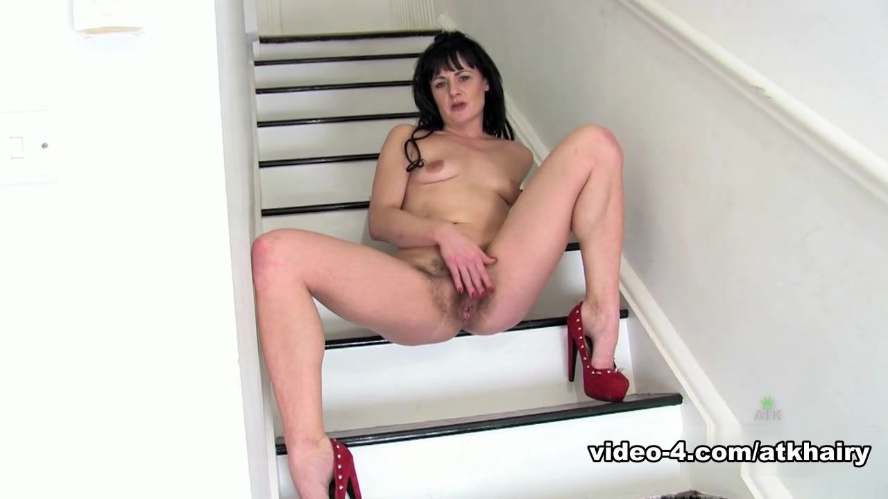 Lisa Leigh in Amateur Movie - AtkHairy video of naked girl at the doctor