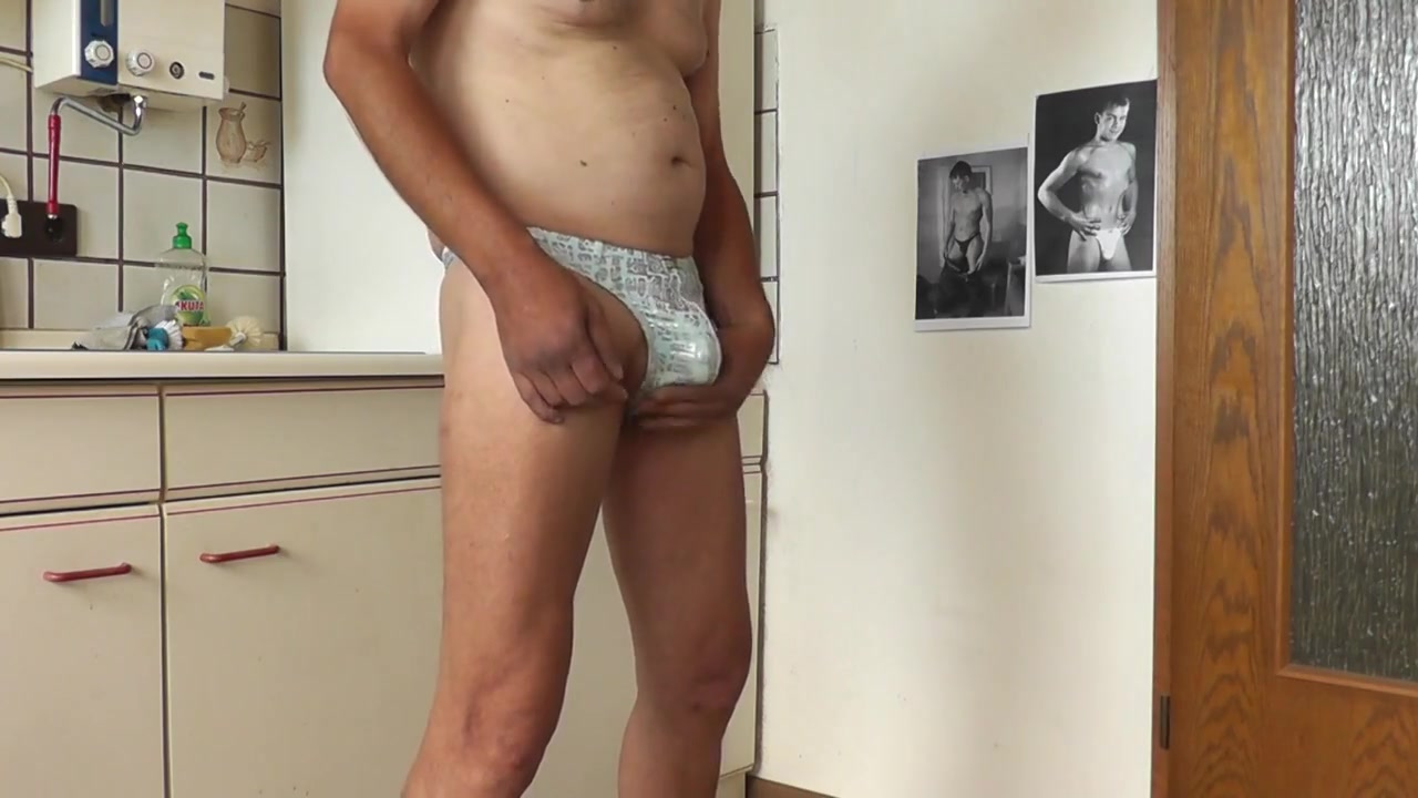 Strip in der kueche Amazing fake breasts