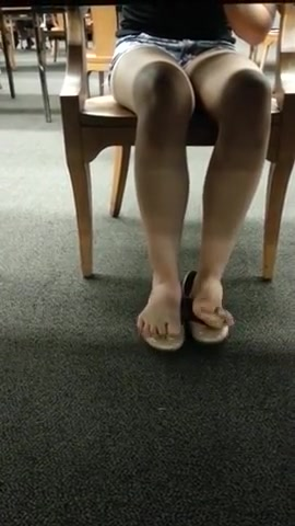 Brilliant Candid College Library Feet Shoeplay Toes Am i her best friend quiz