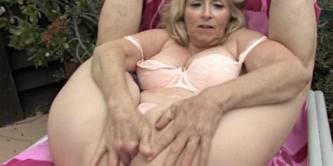 My Enjoyable Grannies 02 (Eager Masturbation!!!) Darksiders iii apocalypse edition ps4 ????