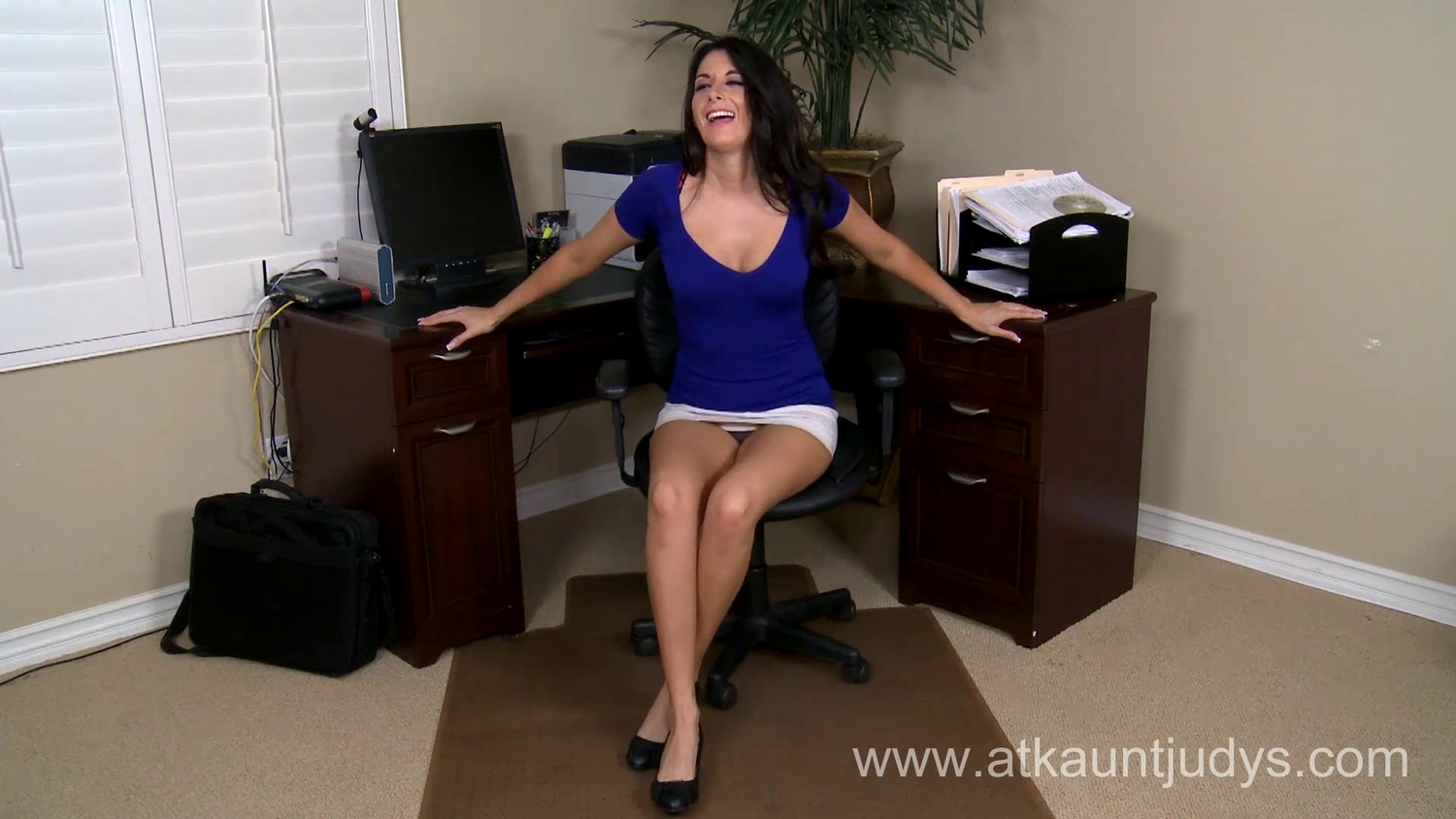 Wicked Mother Id Like To Fuck Nikki Daniels is tired of wearing her clothing