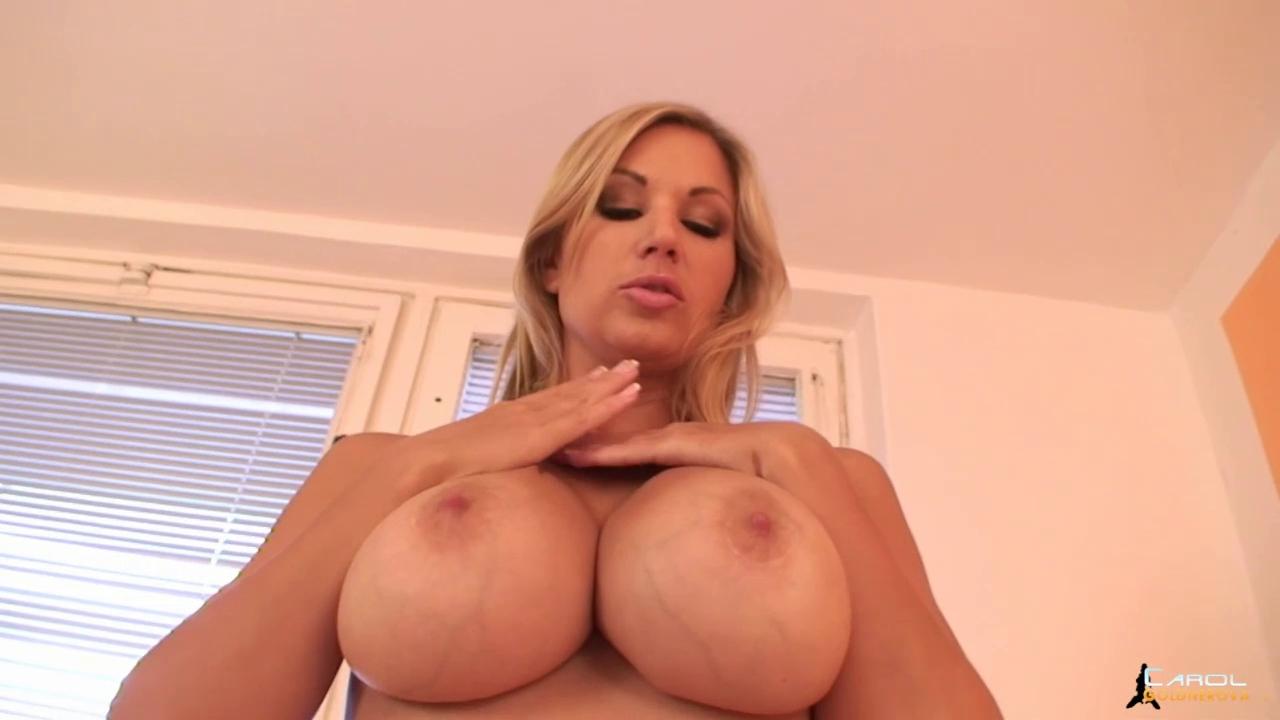 Breasty cougar Carol Goldnerova Nude big tits nakeda