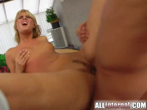 Sarah thinks there is nothing hotter than having a guy release a massive load of cum Girl gets fucked in public