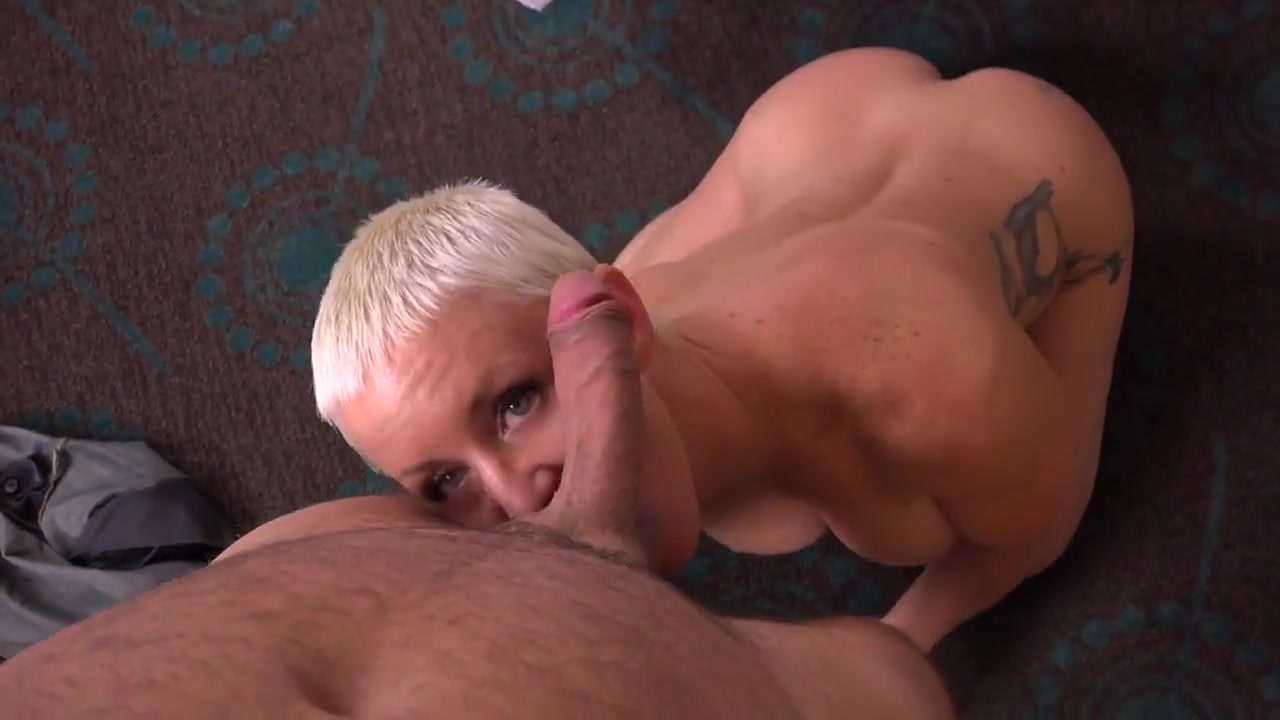 Short blonde haired Hot Milf fuck-session Lucky dating