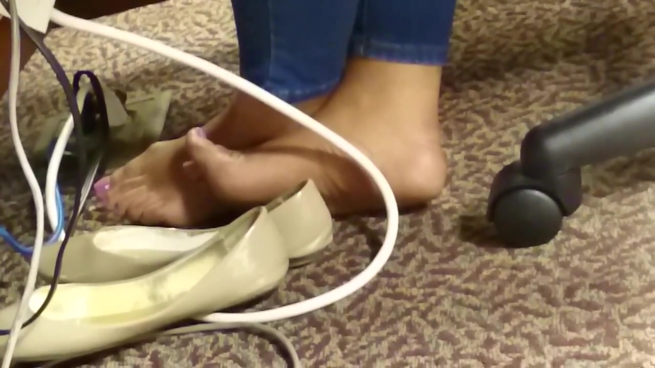 Candid Ebony Barefeet in Library 4 Sisters hot friend natalie heart