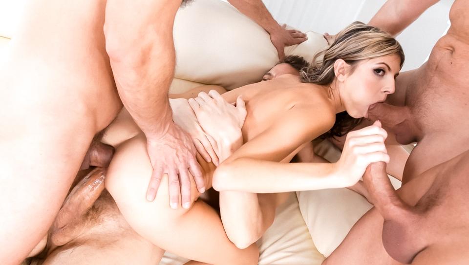 Гина герсон групповое порно, трахает телку гонщицу