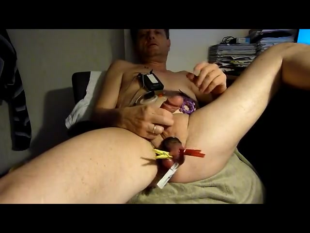 Cumshot with estim and clamped balls Sexy jamaican sex toys