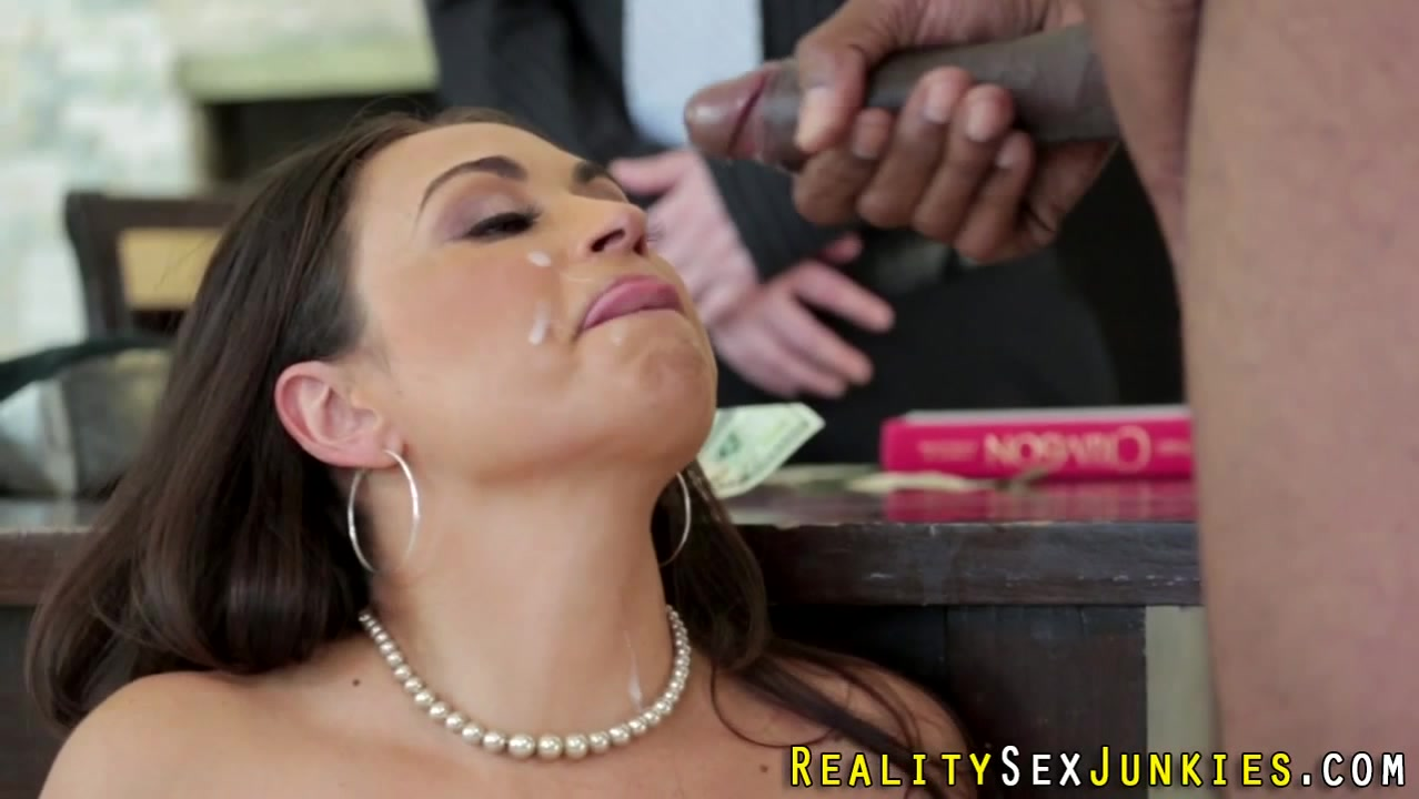 Real cuckolding pornstar Gaping ass toyed lesbo licked