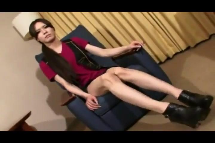Taking turns Slightly overweight girl masturbates