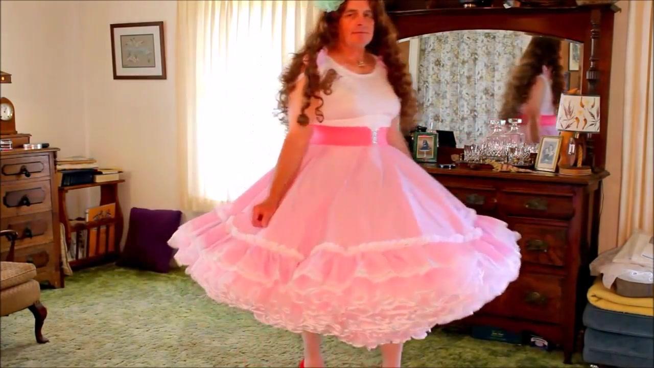Beautiful crossdresser in petticoat Indian Hindi Dubbed Movies