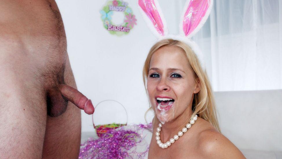 Payton Leigh in Bunny Fuck - CougarSeason Indain Pron Star