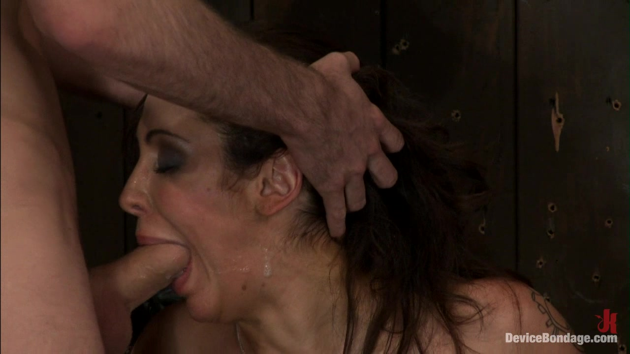 Princess Donna reduced to a common peasant Countdown to Relaunch 14 of 20 Legs wide open pictures