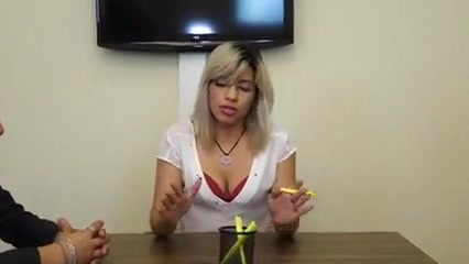 Foda na reuniao da empresa Bbw blonde handjob