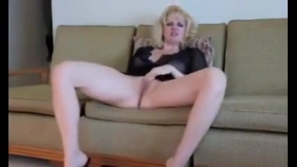Hot Blonde Bates Bigest Boobs Xxx