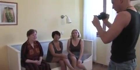 3 Grannies Sexy white round ass
