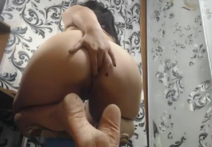 Hot MILF #2 Pissed Video