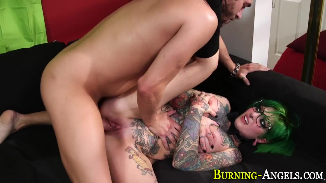 Inked emo slut cumshot naked chicks big boobs