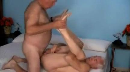 2 dads 1 bed Seeking an intelligent friend in Guatemala