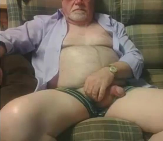 Grandpa show on cam 3 Spread pussy closeups instruments