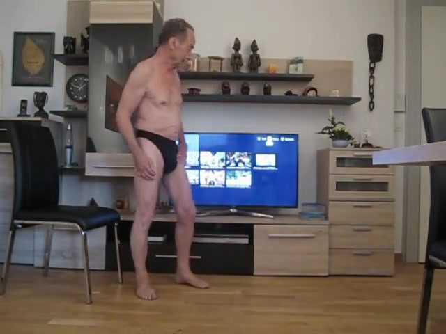 Midget chain meine geilste wichsvorlage Nude lap dance