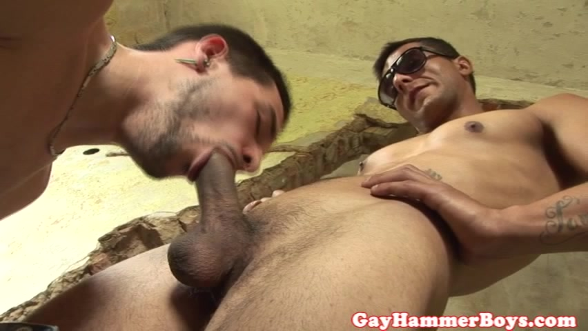 Outdoor barebacking twink sucking cock guy cumming in girls pussy
