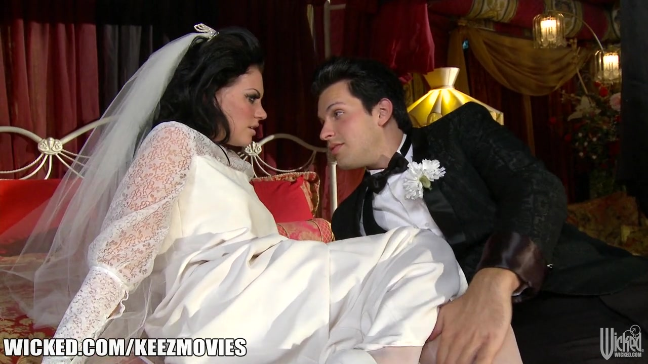 Brunette bride in stockings crammed on the bed camron diaz look alike gets fucked and jizzed on