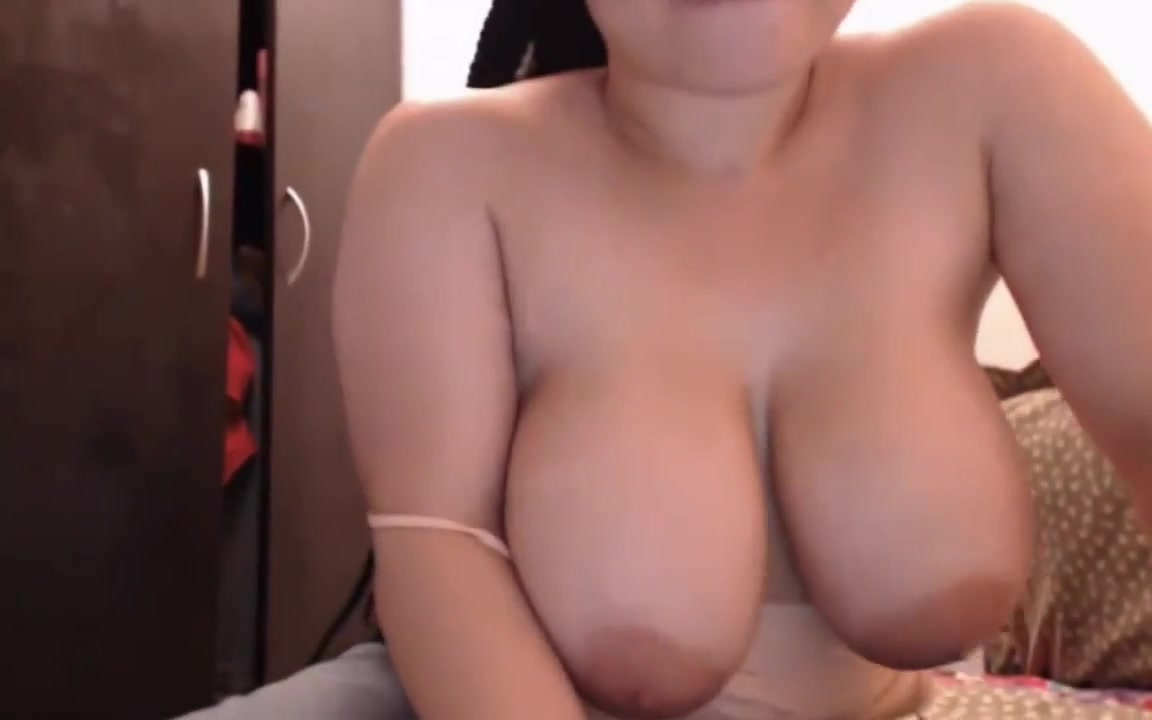 Beautiful perfect huge natural titties webcam