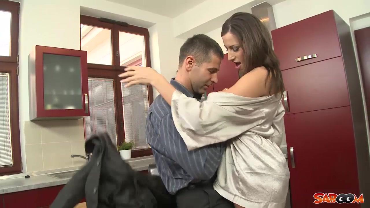 Saboom Video: Sensual Jane woman s nude combat films