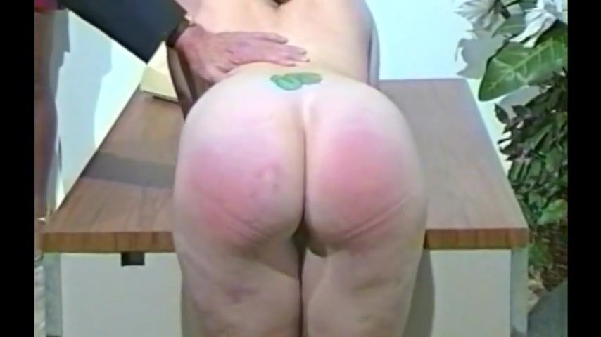 Ebony Spanked Donne nude in mostra