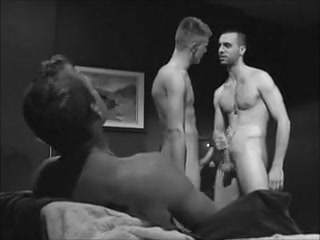 Three Dudes Get Off for Each Other toms hotel berlin gay