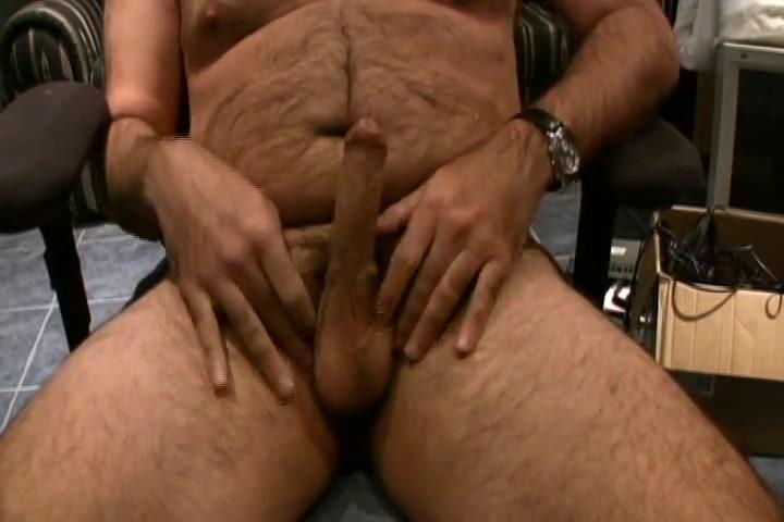Hairy Bear cumming on cam 2 Hairy Australian lesbians in the bathroom