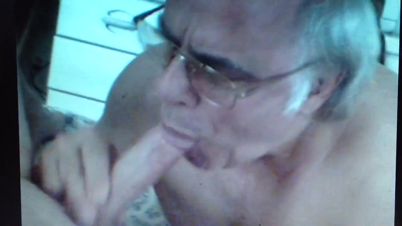 Roncoman sucks a nice big cock Dildo butt girl
