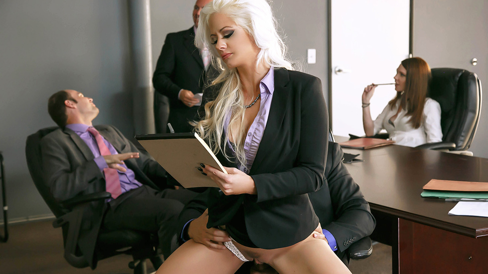 Holly Heart & Ramon in The Meeting - Brazzers cheer leader tryouts sex