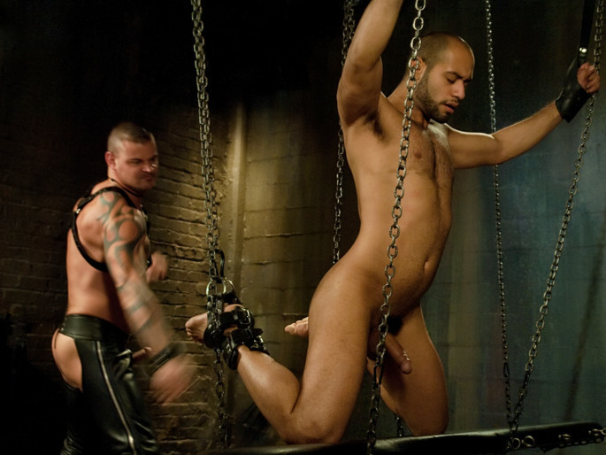 New dom Derrick Hanson pounds the living hell out of house slave Leo Forte. older granny couple swinger