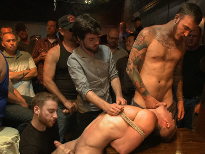 Ripped stud with a giant cock get used in a crowded bar woman porn hd 720