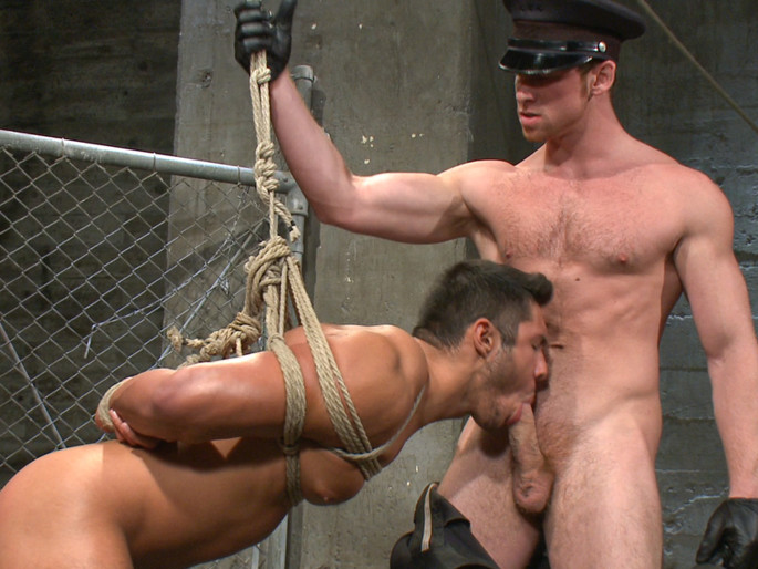 New muscled inmate at the mercy of Officer Connor Maguire russian porn download free