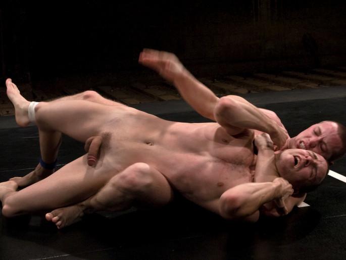 Christian Owen vs Lexx Scott In the black bikini