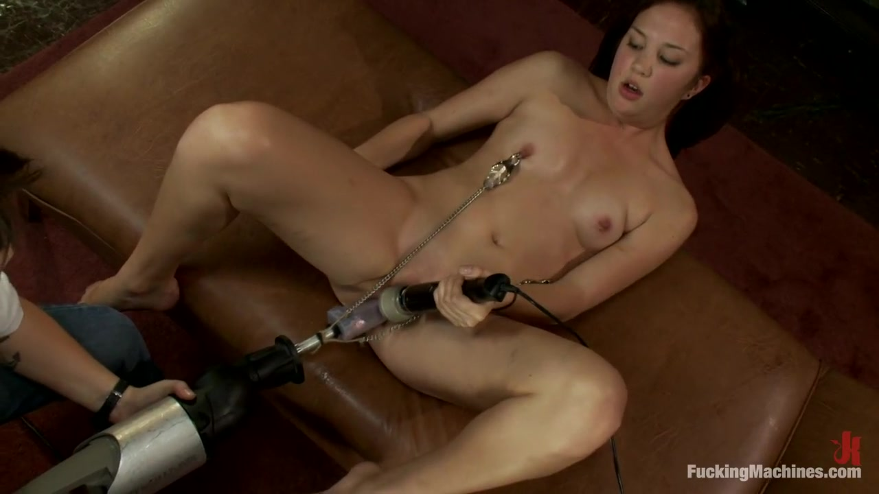 18yr old FIRST Porn - Mechanical Shagging Overload that makes her SQUIRT!