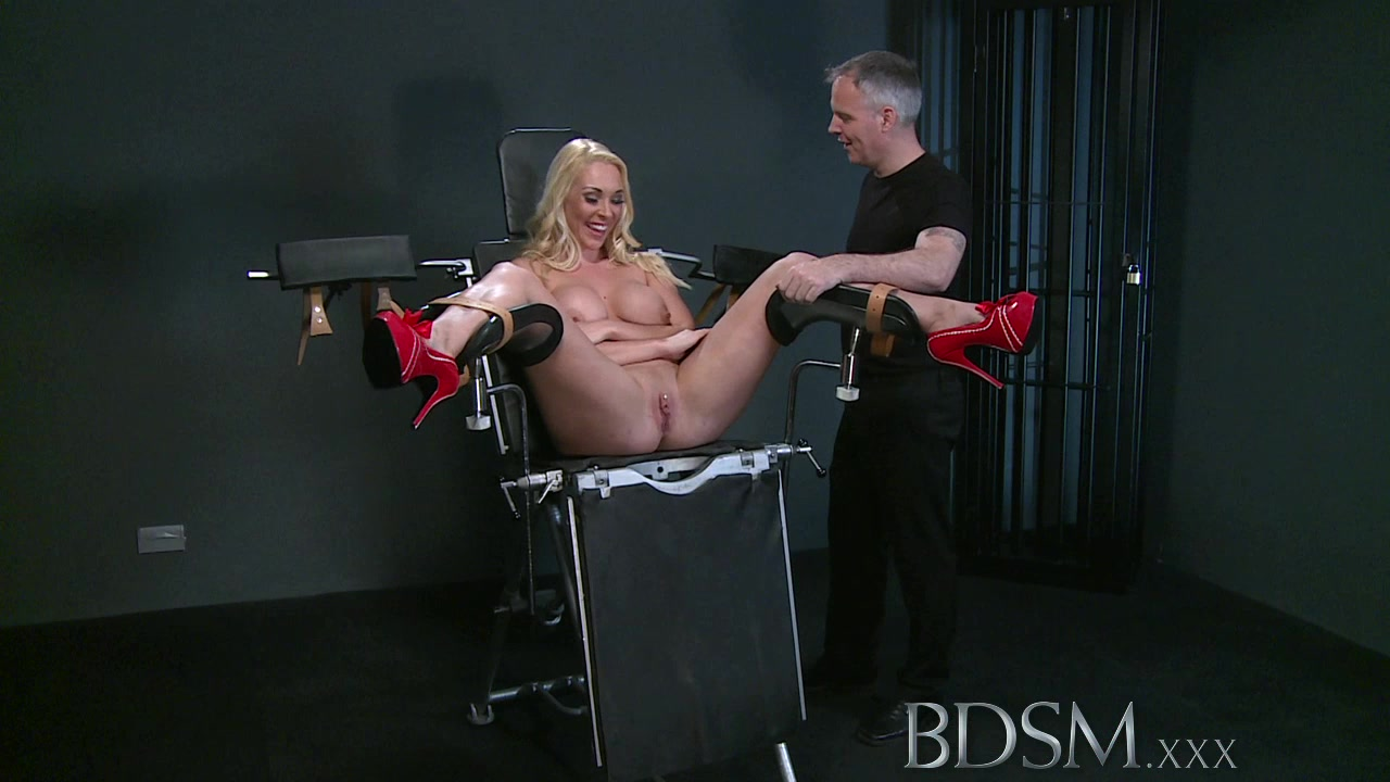 Defiant sub gets Masters wrath before squirting all over the dungeon floor Best boobs in business