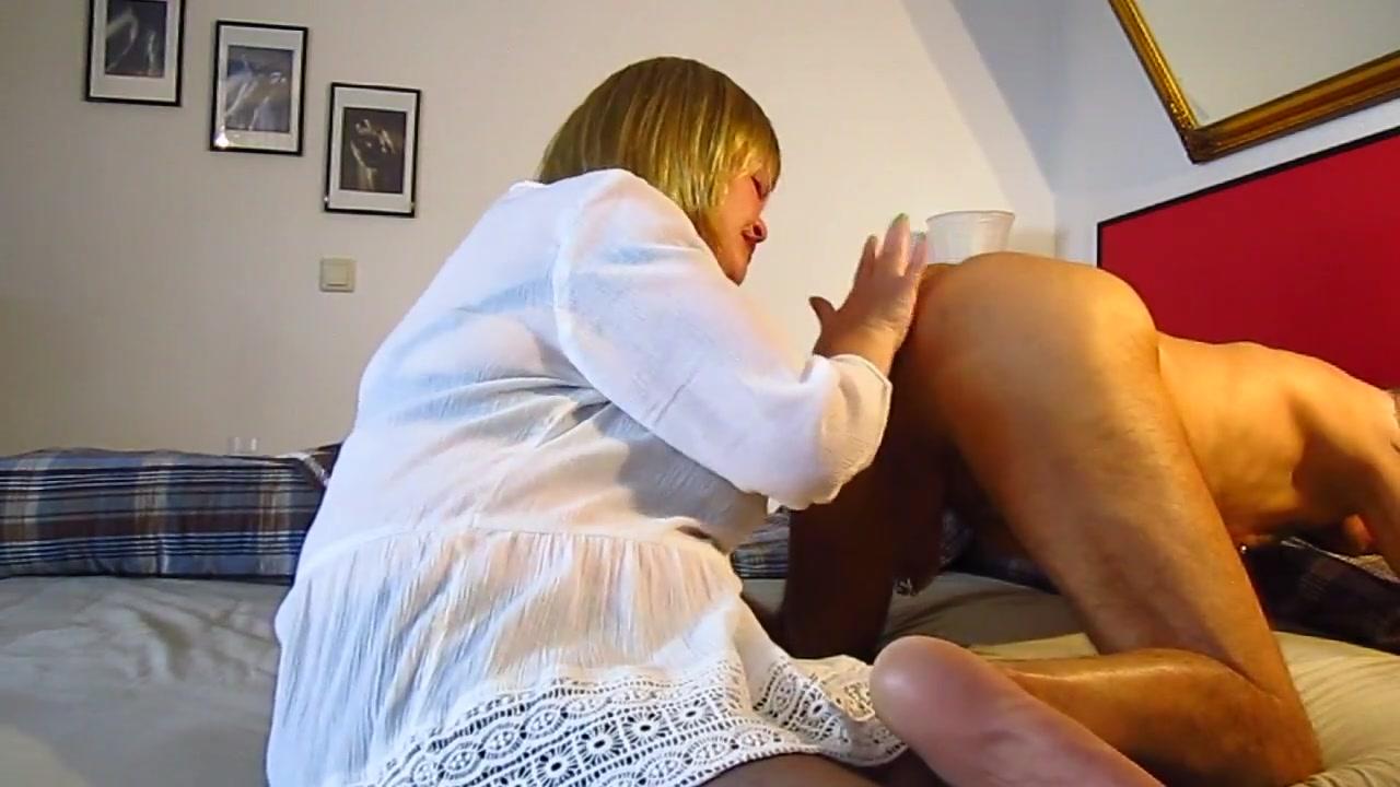 Geile Frau Rimjob und Dildos bei reifer Mann Cougar xxx movies