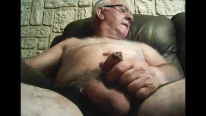 Grandpa stroke on cam 4 fucking sexy babes smoking