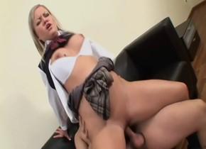 Hottest pornstar Sunny Diamond in horny big tits, blonde adult movie Vrouw zoekt onervaren man