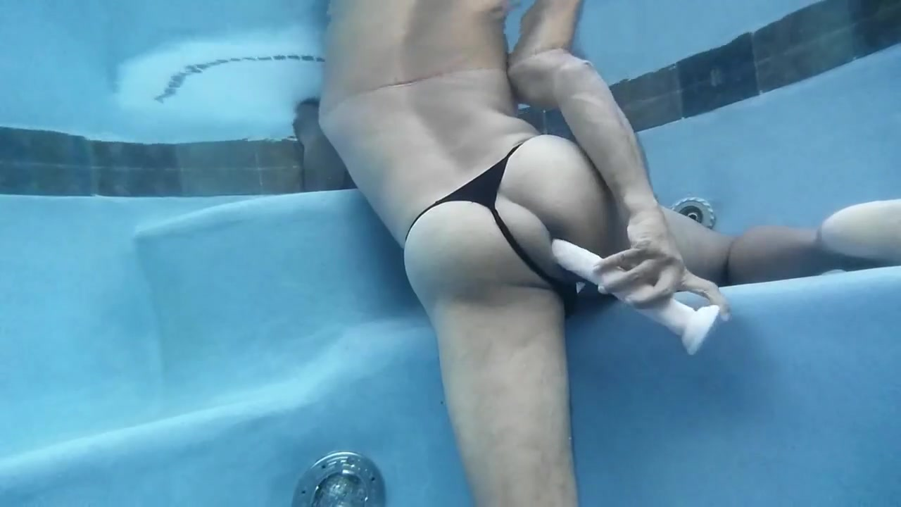 Pool Ass Toy Play with British Indian Women seeking sex partners in Lushnje