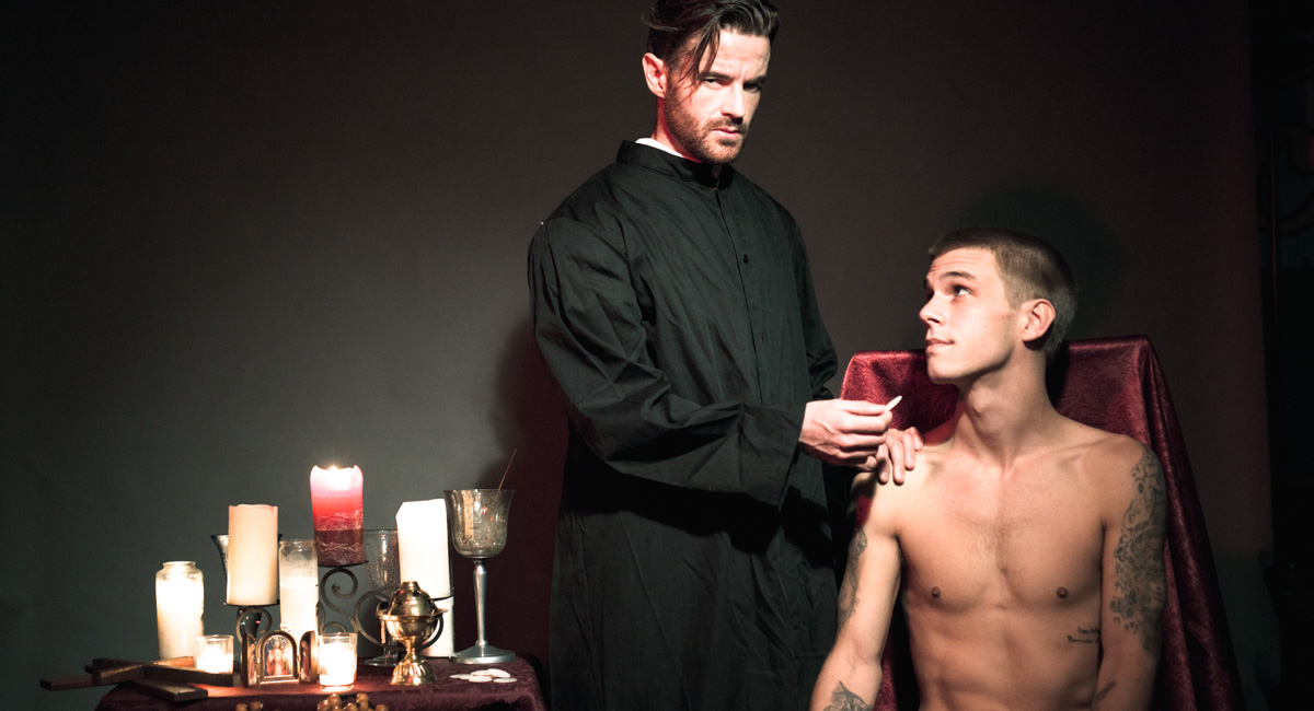 Brendan Patrick & Trent Ferris in Forgive Me Father 3, Scene 02 - IconMale Filme porno mother