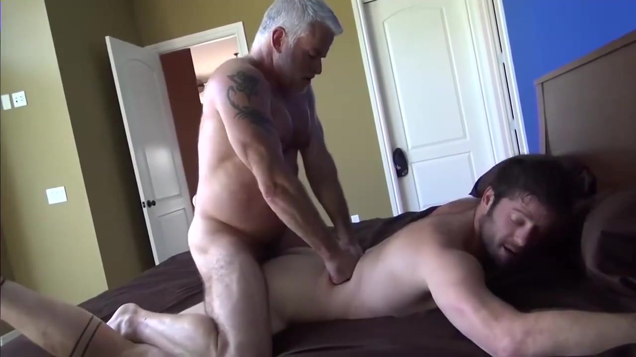 Pleasing grandpa free mom sex movie gallery