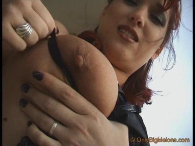 Mastix Vendy Shows Her Curves gay porn circle jerk