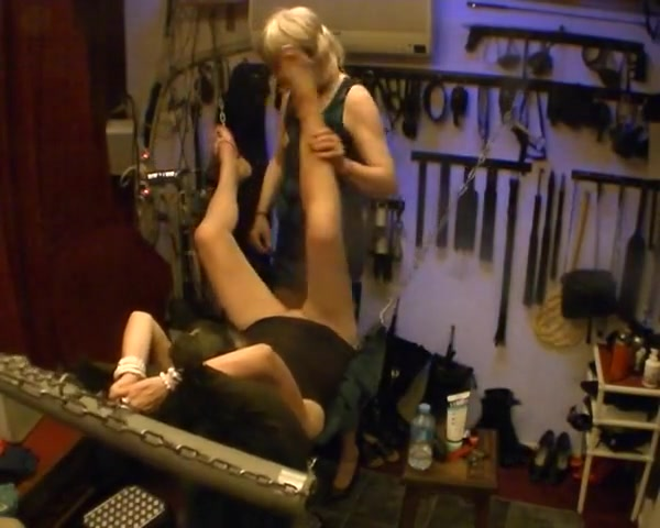 FUCK MY HORNY WIFE DEEP IN A SLING Greek women art sex